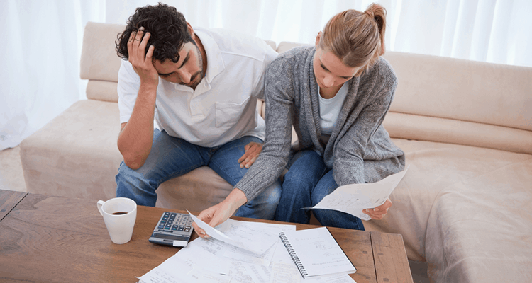 couple stressed by finances